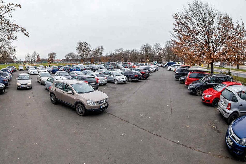 Die Parkplätze im Ostragehege sollen kostenpflichtig werden.