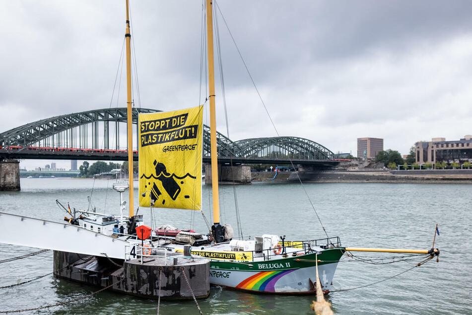 Greenpeace hatte den Rhein großflächig untersucht und auf Rückstände von Mikroplastik untersucht.