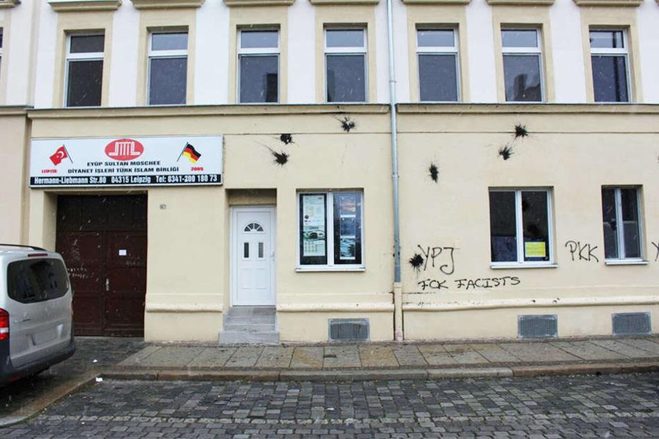 Die Eyüp-Sultan-Moschee in der Leipziger Hermann-Liebmann-Straße ist in der Nacht zu Montag angegriffen worden.