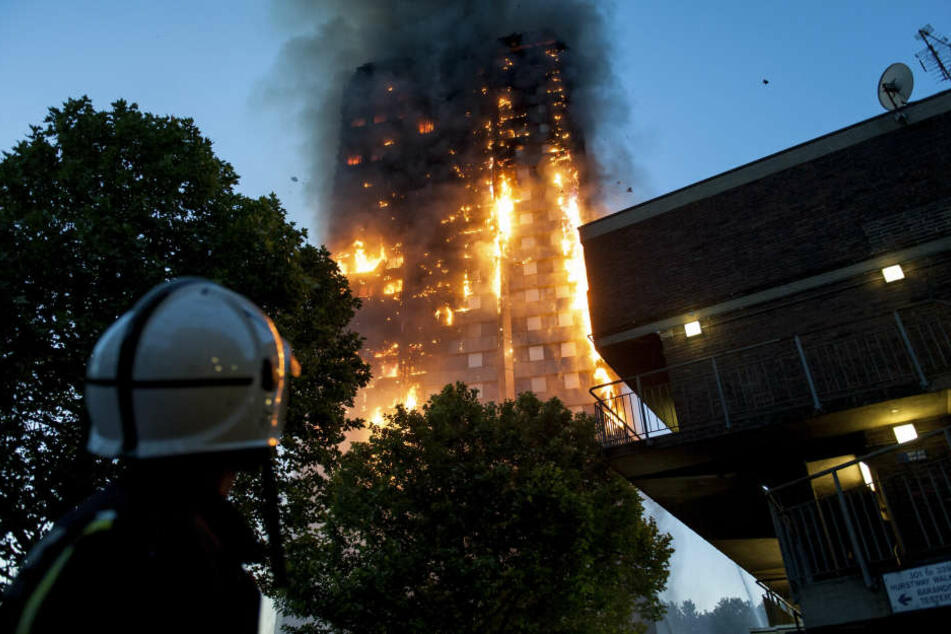 Opfer von Londoner Hochhausbrand werden aus Hotel geschmissen