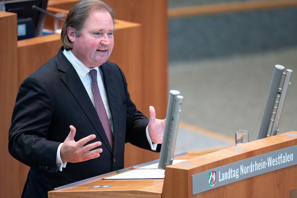 Lutz Lienenkämper (52, CDU) ist der Finanzminister von Nordrhein-Westfalen.