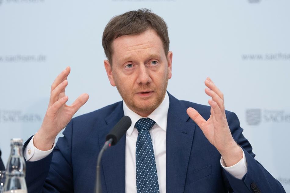 Bleibt vorerst hart: Ministerpräsident Michael Kretschmer (44, CDU)