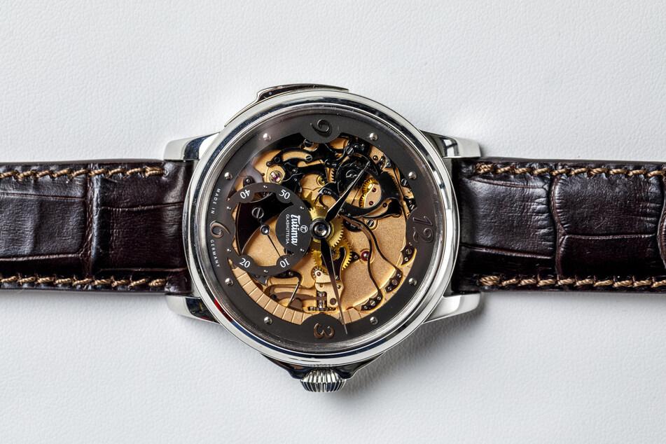 """Tutimas Markenzeichen ist exklusiv in Design, Verarbeitung und Preis: Die """"Hommage Minutenrepetition"""" in Platin kostet 185.000 Euro."""