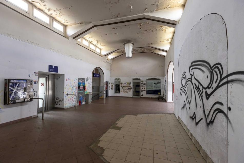 Alter Bahnhof Werdau: Am dortigen Bogendreieck verlegt die Bahn neue Gleise.