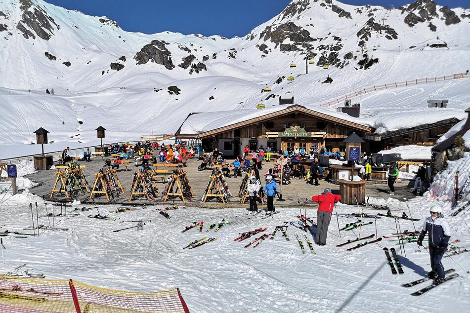 Nur wer geimpft, genesen oder getestet ist, darf diesen Winter in Österreich Skifahren.