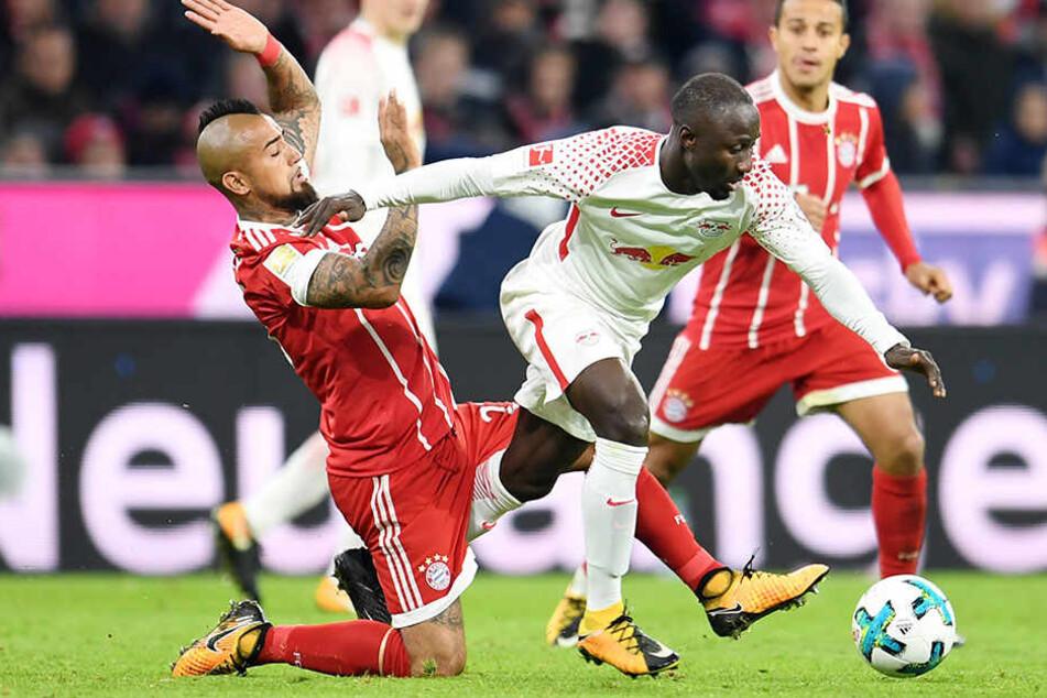 Beim Spiel gegen FC Bayern München hatte sich Naby Keita (22) eine Schienbeinprellung zugezogen.