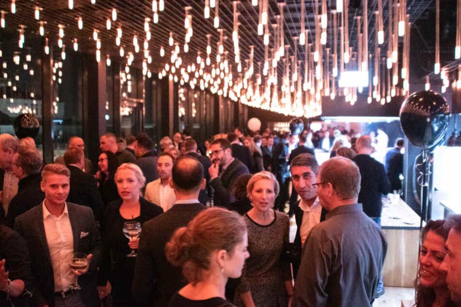Etwa 500 geladene Gäste feierten am Freitag die Eröffnung des LEBENDIGEN HAUSES.