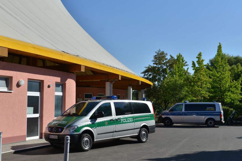 Polizeieinsatz im Freibad Gablenz.