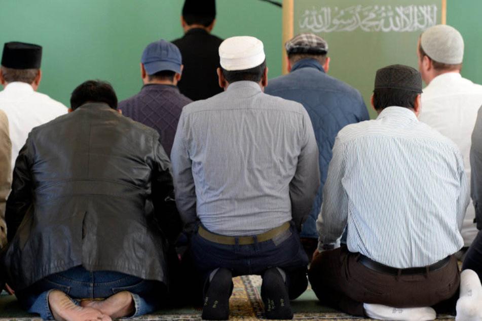 Die neue As-Sahaba-Moschee könnte hunderte Gläubige anziehen. (Symbolbild)