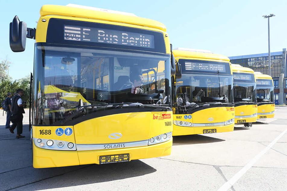 Die ersten vier neue Elektrobusse der Berliner Verkehrsbetriebe BVG wurden 2015 der Öffentlichkeit präsentiert.