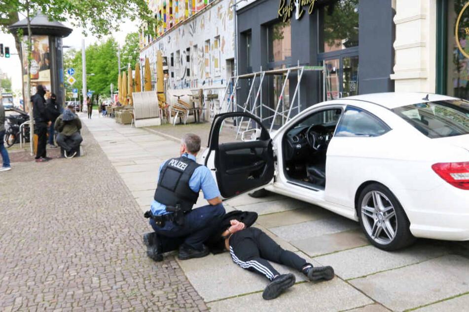Polizei-Einsatz auf der Karli: Vier Männer festgenommen!