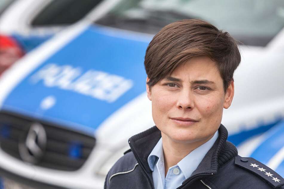 Warnt vor Verwechslung an Halloween: Bundespolizei-Sprecherin Anja  Müller-Bartl (38).