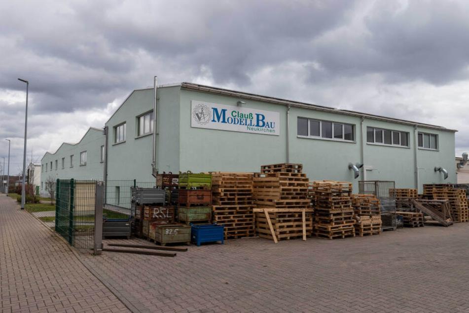 In Neukirchen stellt die Firma Modellbau Clauß auf etwa 3500 Quadratmetern Prototypen für verschiedene Industriebereiche her.