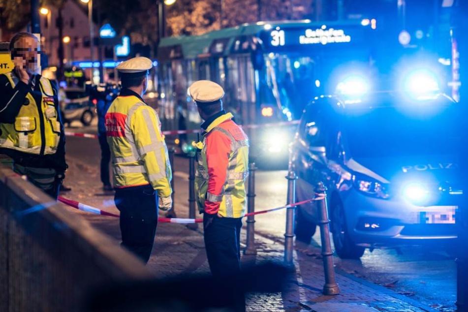 Ein Großaufgebot an Feuerwehr und Polizei rückte zur Ostendstraße us.