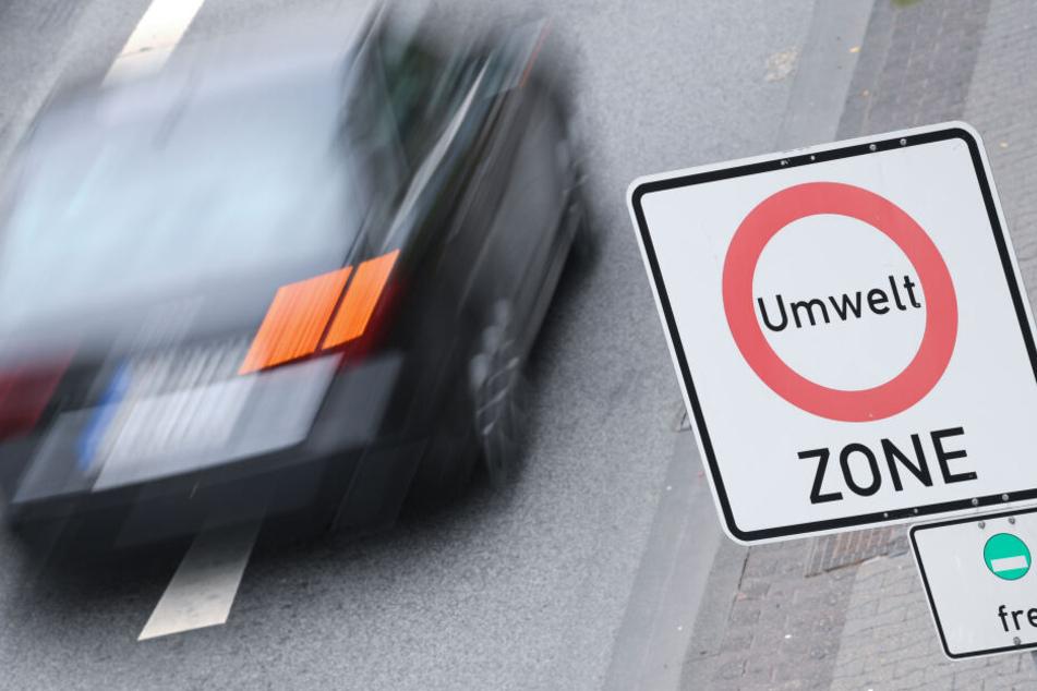 In Darmstadt ist das Dieselfahrverbot bereits beschlossene Sache, in Frankfurt konnte man es vorerst abwenden (Symbolbild).