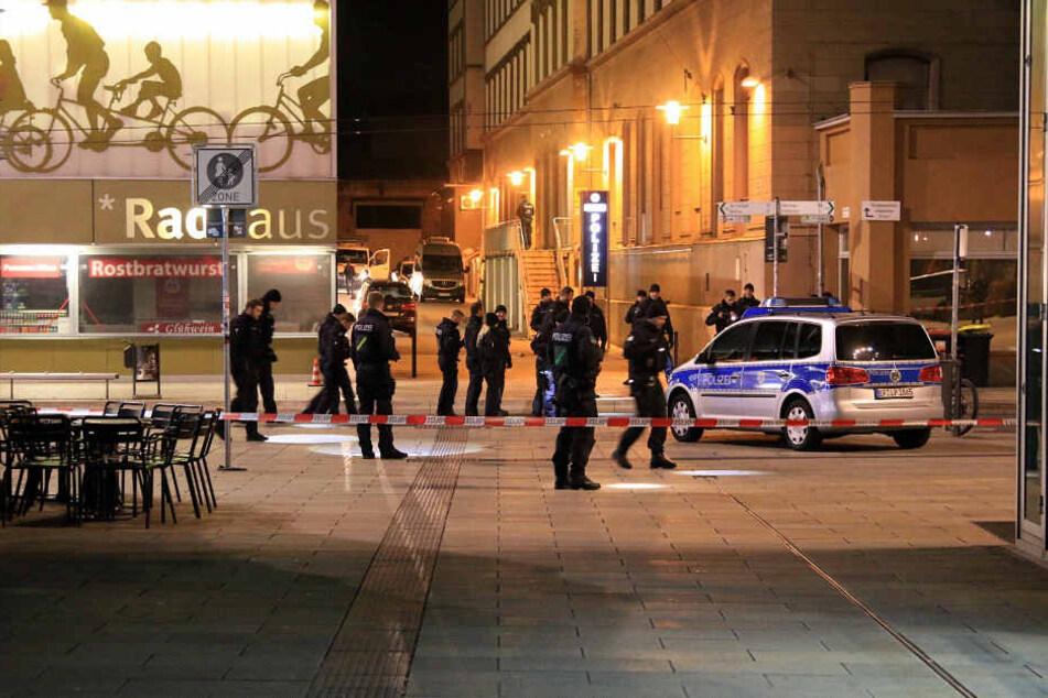 Polizei-Einsatz in der Erfurter Innenstadt - die Thüringen-Metropole gilt als Hochburg armenischer Mafia-Clans in Deutschland.
