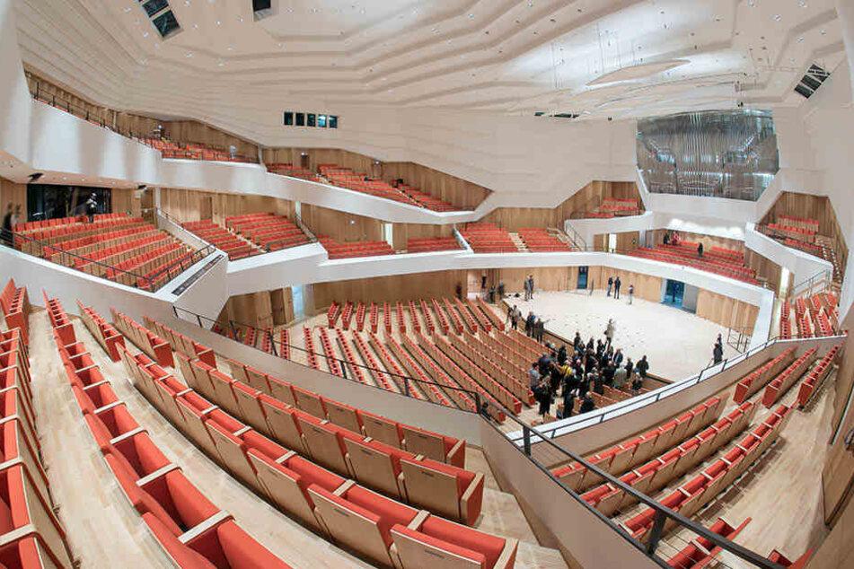 1750 Zuhörer fasst der neue Konzertsaal im sanierten Dresdner  Kulturpalast.