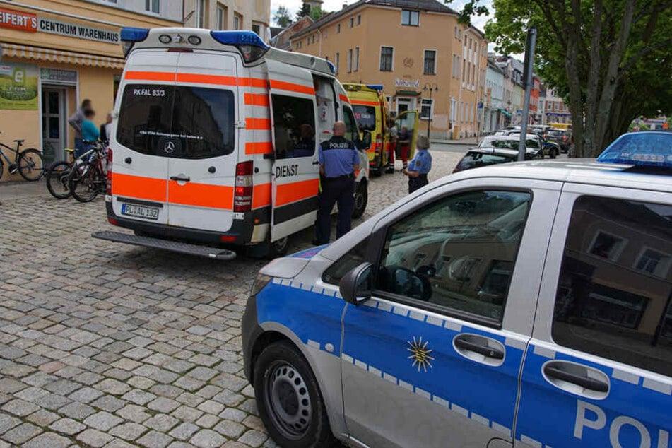 Polizei und Rettungskräfte sind in Auerbach im Großeinsatz.