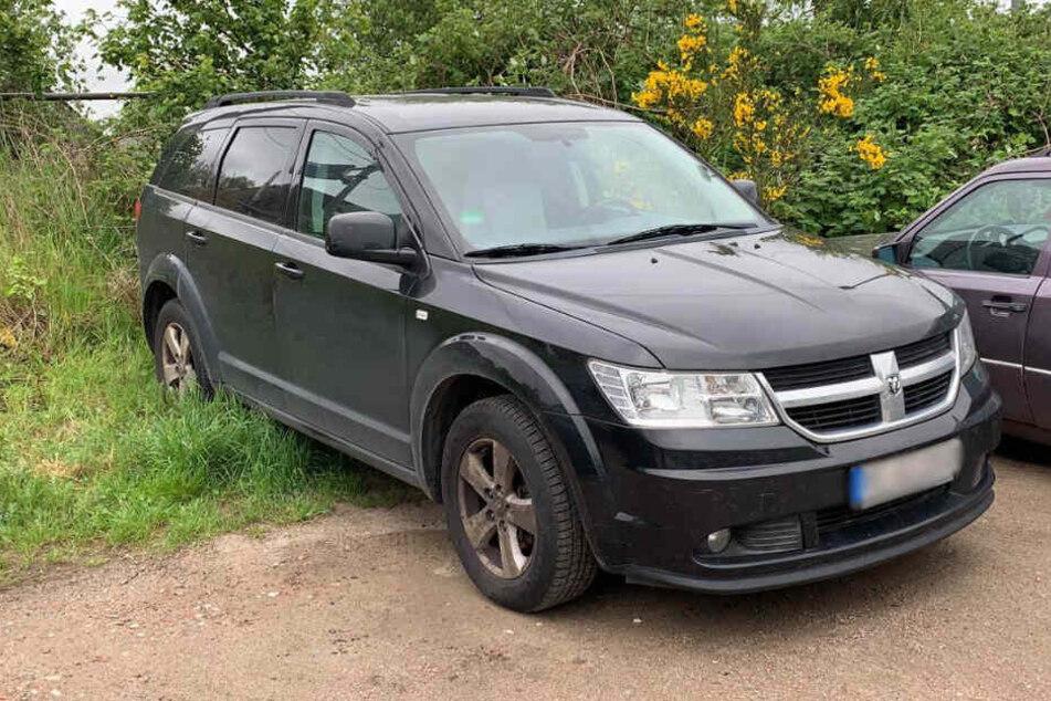 Die Polizei fand das Fluchtfahrzeug auf einem Parkplatz in Herzhorn.