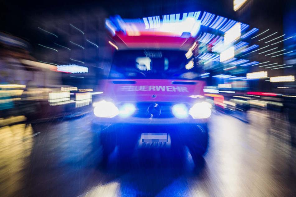 Nächtliche Brandstiftung: Drei Autos in Leipzig abgefackelt