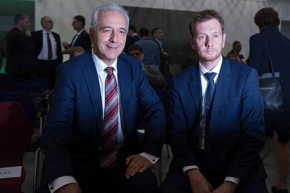Ministerpräsident und CDU-Chef Stanislaw Tillich (58, l.) hat Michael Kretschmer (42, CDU) als seinen Nachfolger vorgeschlagen. Der Machtwechsel ist in der heißen Phase.
