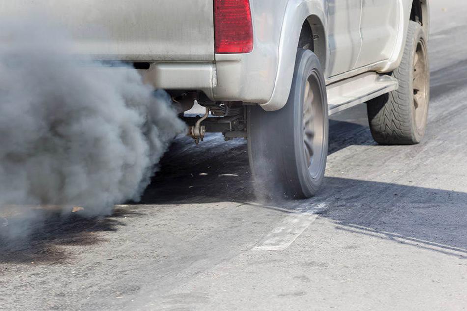 Der NRW-Ministerpräsident meint, dass ohne Diesel Weltklimaziele nicht eingehalten werden könnten.