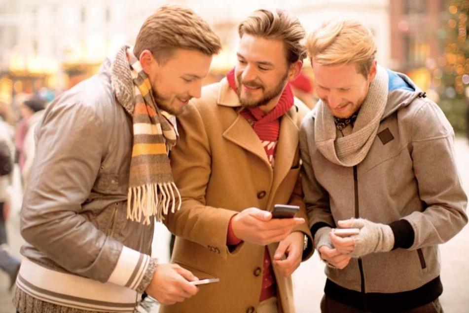 Einfach Geld per Handy austauschen. Das geht jetzt unter Freunden.