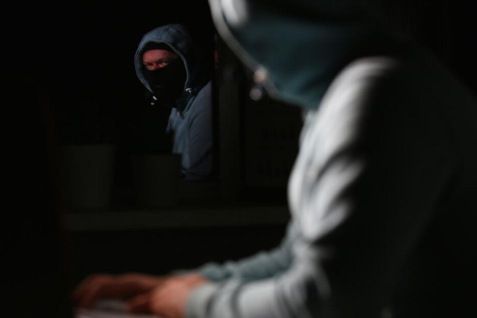 Drogen für 1,3 Millionen im Darknet verkauft: So ist die Bande aufgeflogen