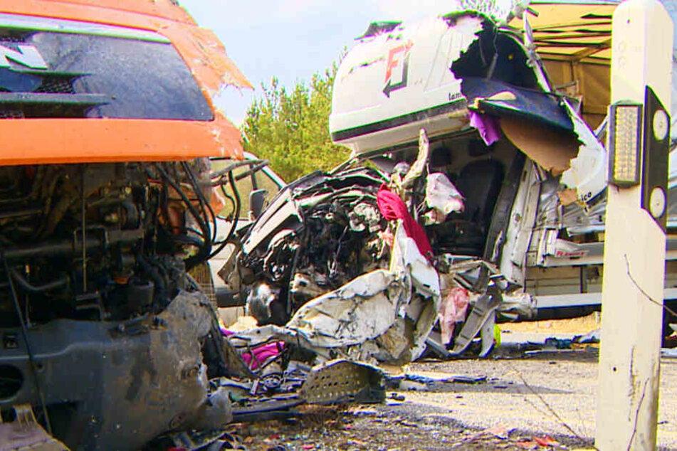 Horror-Unfall: Mann stirbt nach Crash mit LKW!