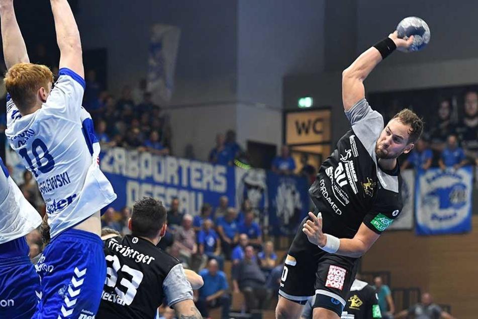 Der HC Elbflorenz mit Marc Pechstein im Angriff. Können Pechstein & Co. morgen endlich den ersten Saisonsieg feiern?