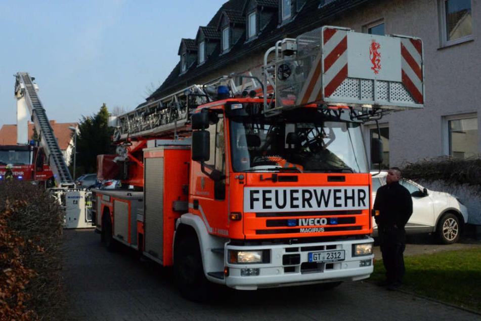 In einem Wohnheim in Rheda-Wiedenbrück brach im Dachgeschoss ein Feuer aus.
