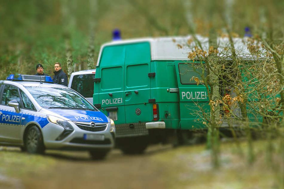 Gegen 14.45 Uhr fand ein Mann die beiden Leichen und meldete dies sofort der Polizei. (Symbolbild)