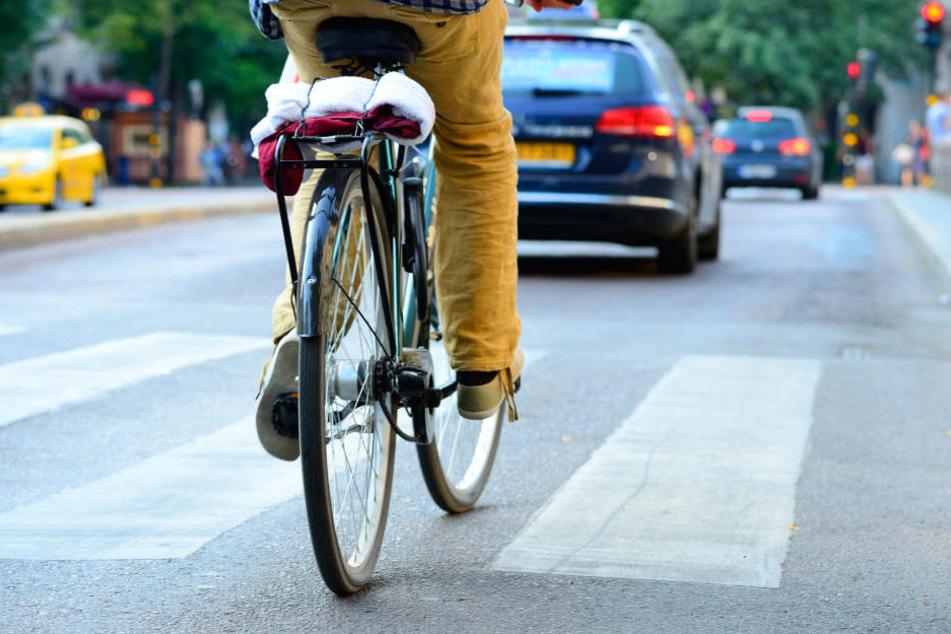 Ein 88 Jahre alter Berliner ist am Montagvormittag in Marienfelde mit seinem Rad verunglückt (Symbolbild).
