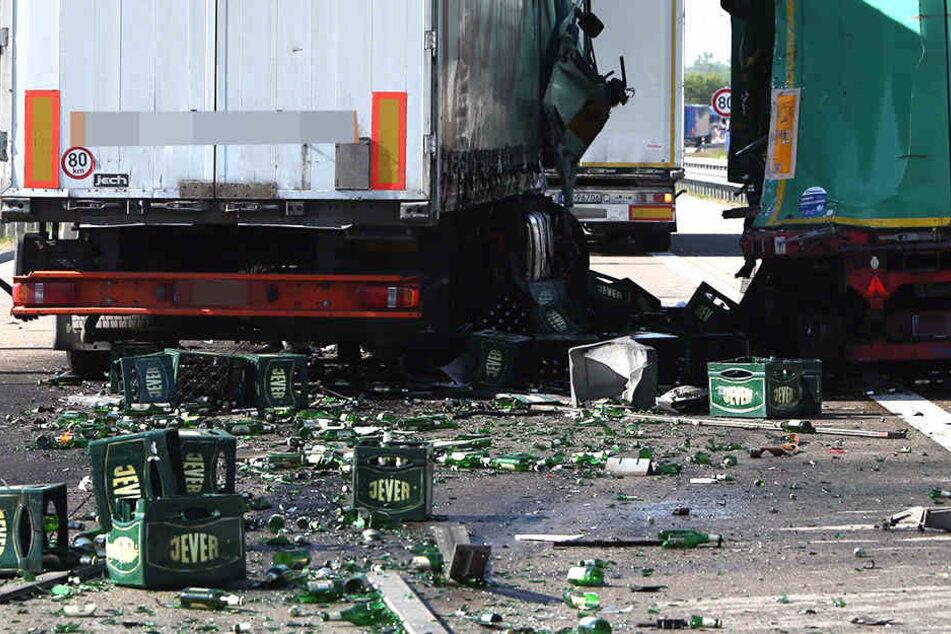 Unfall A13: Autobahn nach Unfall mit Bierlaster dicht