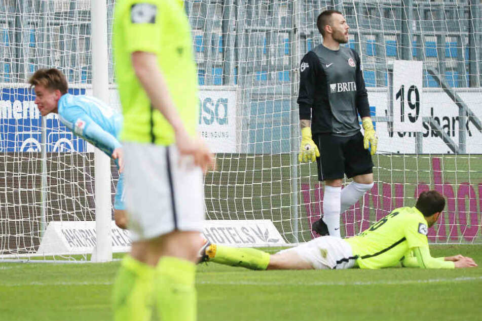 Tor für Chemnitz, Treffer zum 1:1 Ausgleich durch Torschütze Florian Hansch (li., Chemnitz)