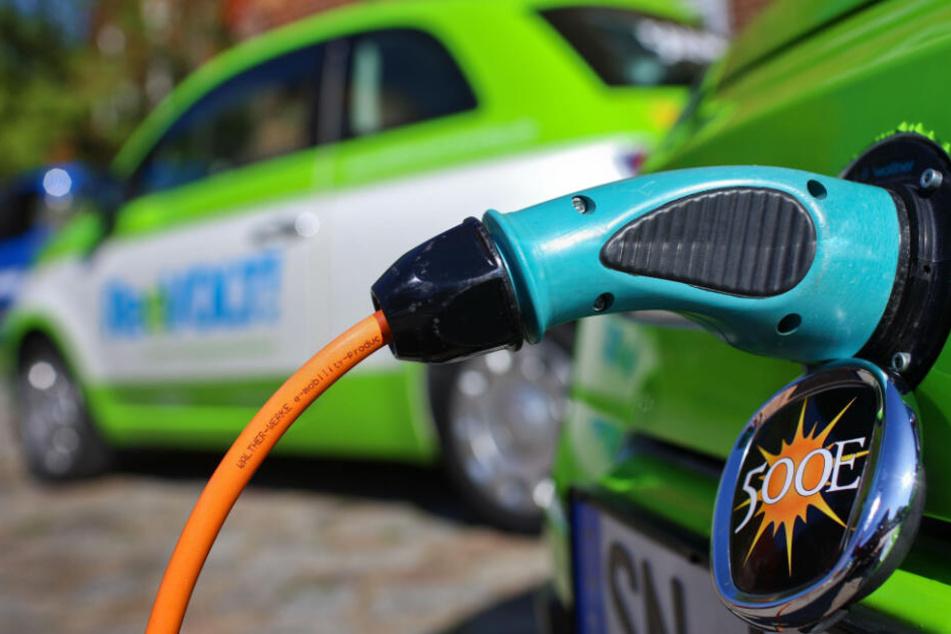 Arbeitnehmer in Sorge: Kosten Elektro-Autos Zehntausende Jobs?!