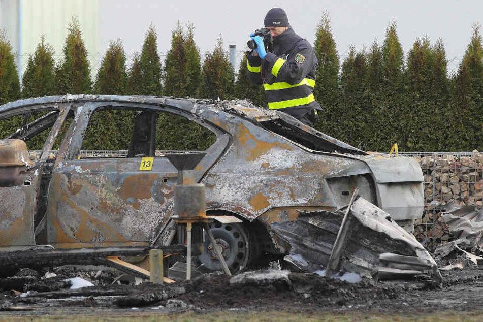 Dieses Auto des Dresdner AfD-Mannes Hans-Joachim Klaudius brannte einen Tag vor Silvester 2019.