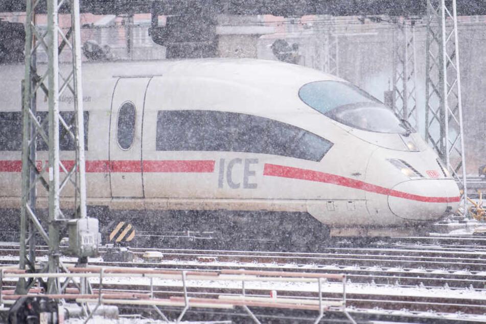 Die Deutsche Bahn hat in Bayern mit dem Wetter zu kämpfen. (Symbolbild)