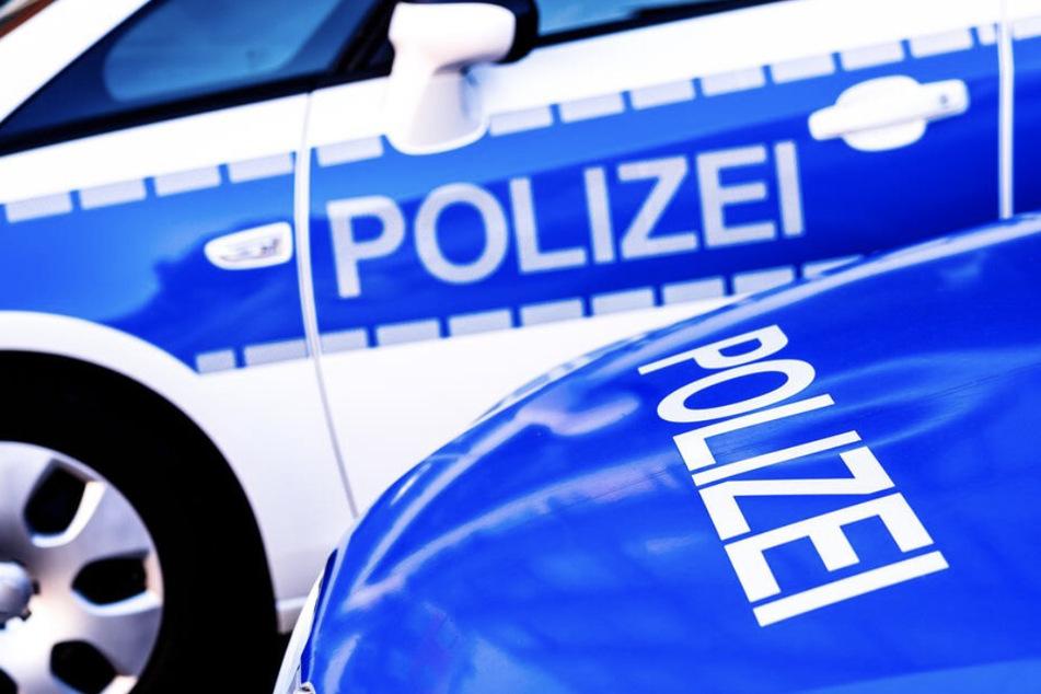 Die Polizei fahndet nun nach dem Erpresser mit Hammer - ein Bild von ihm findet Ihr unter dem angegebenen Link. (Symbolbild)