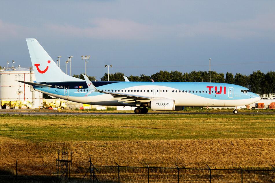 Die Lage in einem Tui-Flugzeug eskalierte. (Symbolbild)