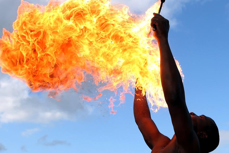 Auch Feuerschlucker sind in Meißen mit am Start (Symbolbild).