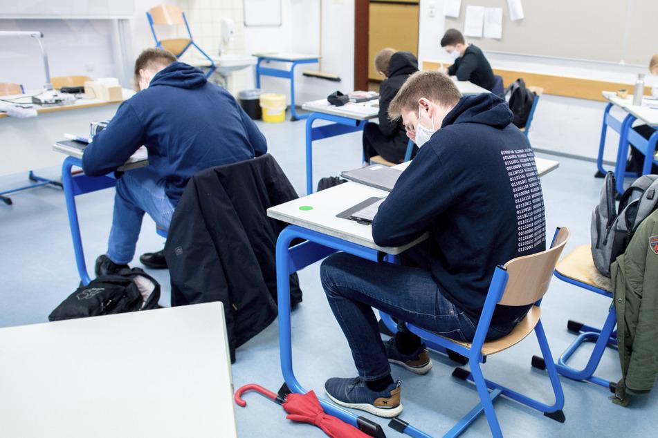 Mehr Zeit fürs Lernen und bei Prüfungen: Diese Änderungen gelten jetzt für Schulabschlüsse