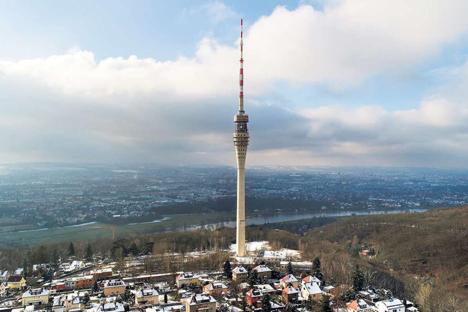 Wenn es nach der 107-Jährigen geht, soll der Fernsehturm unbedingt wieder öffnen.
