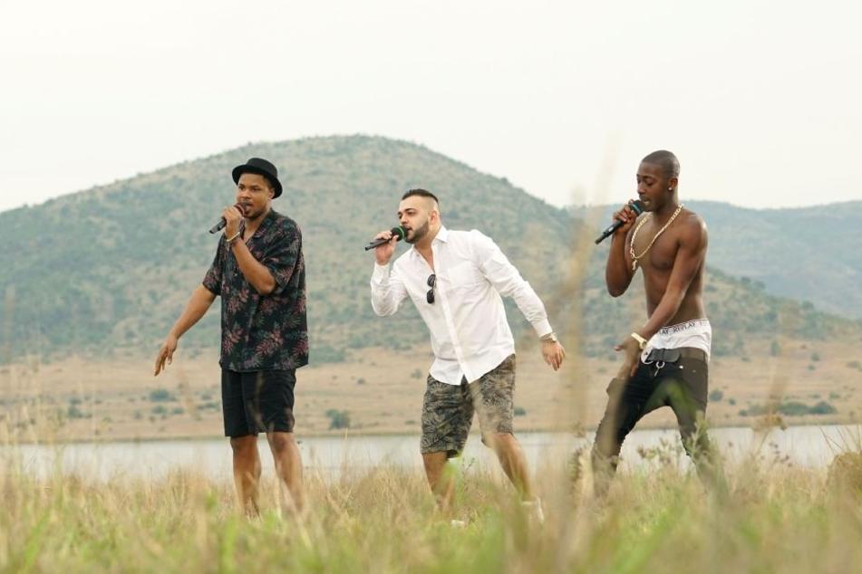 Marc Imam, Mario Turtak und Diego mussten trotz Streit gemeinsam singen.