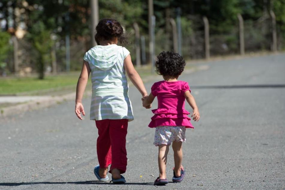 Flüchtlingskindern sollen laut Entwurf die Werte und Grundregeln des Rechtsstaates vermittelt werden. (Symbolbild)