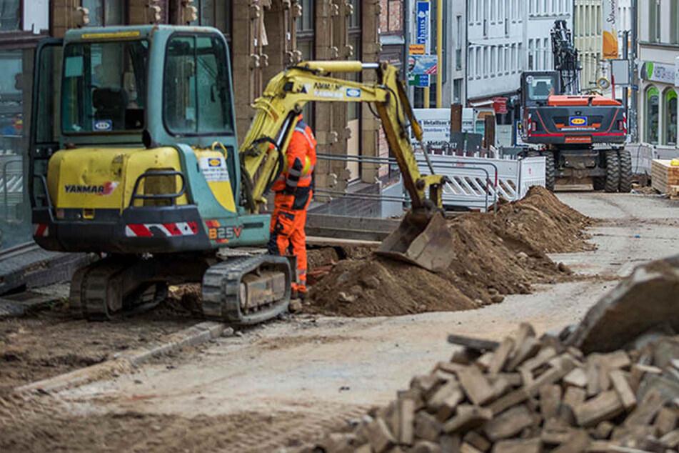 Die Bauarbeiten stehen bis auf Weiteres still. Archäologen überprüfen die Baustelle nach weiteren Überresten oder Anzeichen, die auf den Tod der Frau schließen könnten. (Symbolbild)