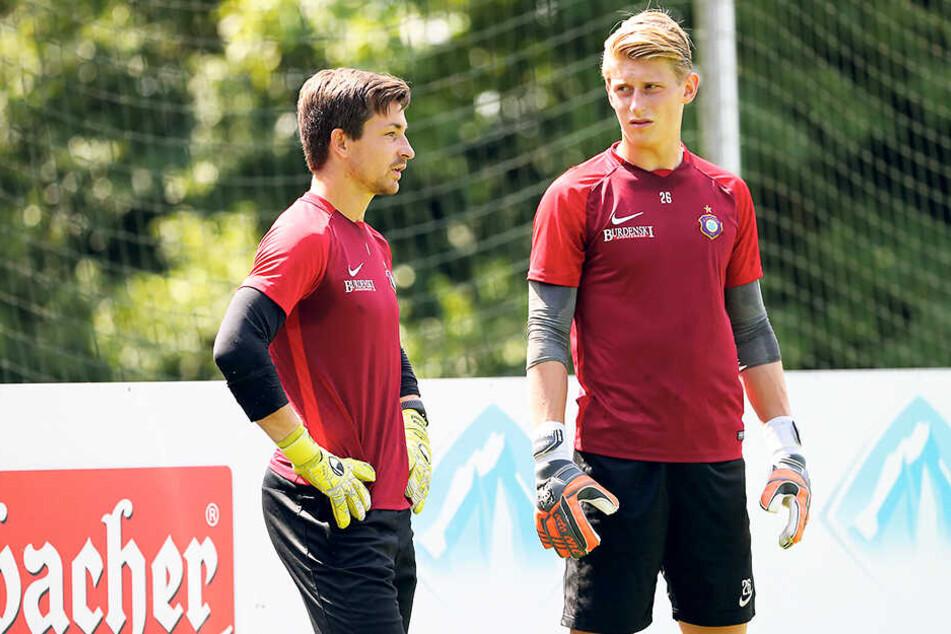 Martin Männel (l.) geht als unangefochtene Nummer 1 in die neue Saison. Robert Jendrusch will ihm gehörig Druck machen.