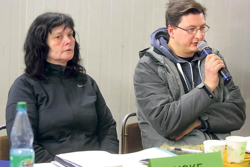 Der Tafelvorstand Andreas  Schönherr (41, re.) und Tafel-Vize Anja Hoke (51).