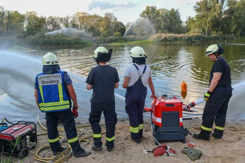 Die geübte Feuerwehr rückte aus und konnte das Wasser mit 6000 Litern pro Minute schnell umwälzen.