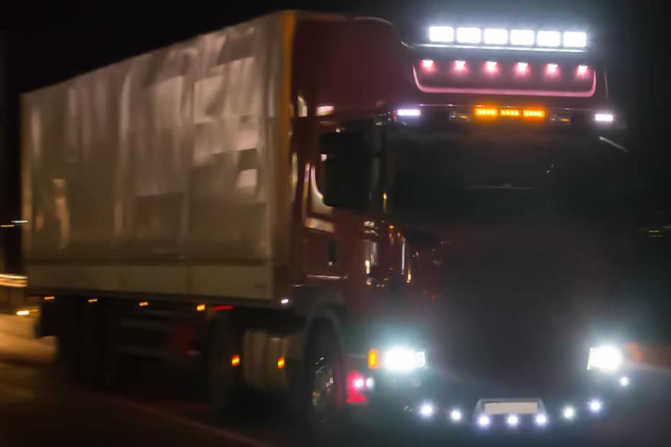 50.000 Euro Schaden: Besoffener Brummi-Fahrer hinterlässt Spur der Verwüstung